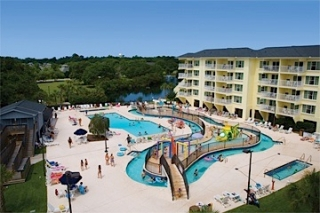 Litchfield Beach & Golf Resort pool